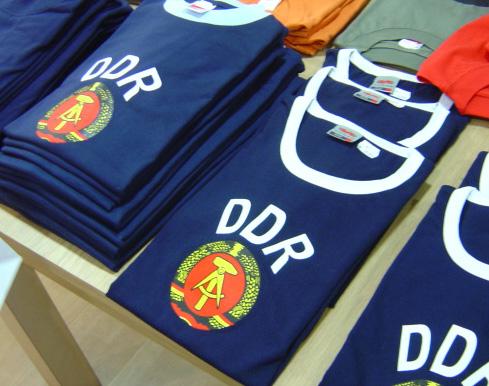 Camisetas alusivas a antiga RDA
