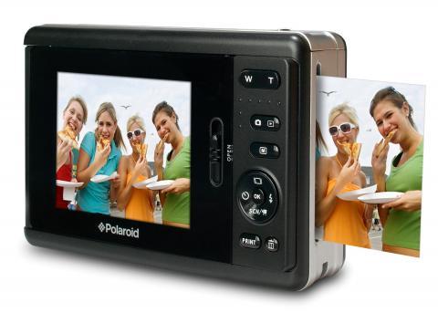 A câmera Polaroid PoGo que imprime as fotos: como as antigas Polaroids instantâneas